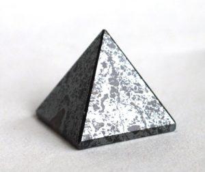 пирамида гематит