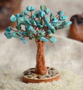 деревце из бирюзы