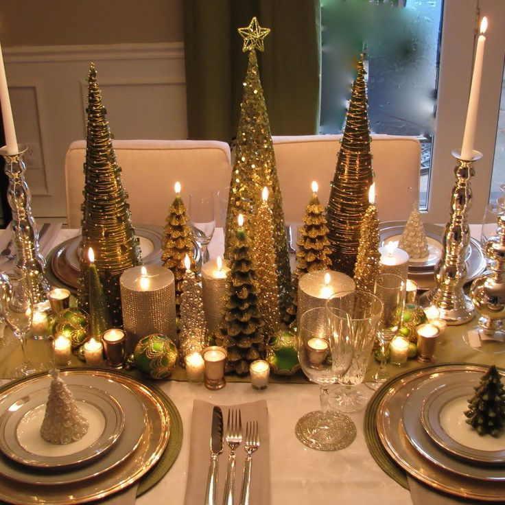 открыть финансовый поток помогут 7 свечей зеленого цвета, которые нужно поставить на праздничном столе;